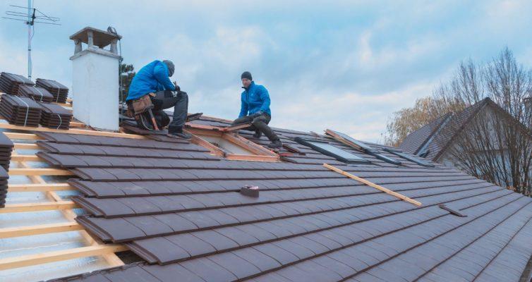 Travaux de toiture : Quels sont les avantages de faire recours aux services d'un couvreur ?