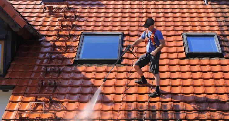 Comment entretenir son toit en ardoise fibro-ciment ?